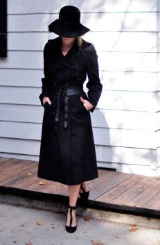 long-black-trench-coat-black-hat-black-shoes